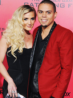 ​Ashlee Simpson and Evan Ross tie the knot