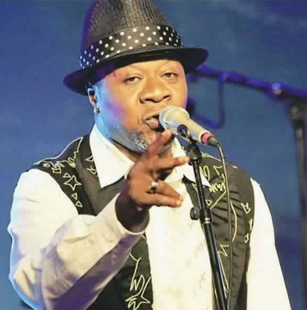 Papa Wemba Collapses On Stage And….