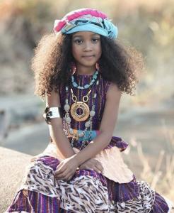 Evania Heart fashion